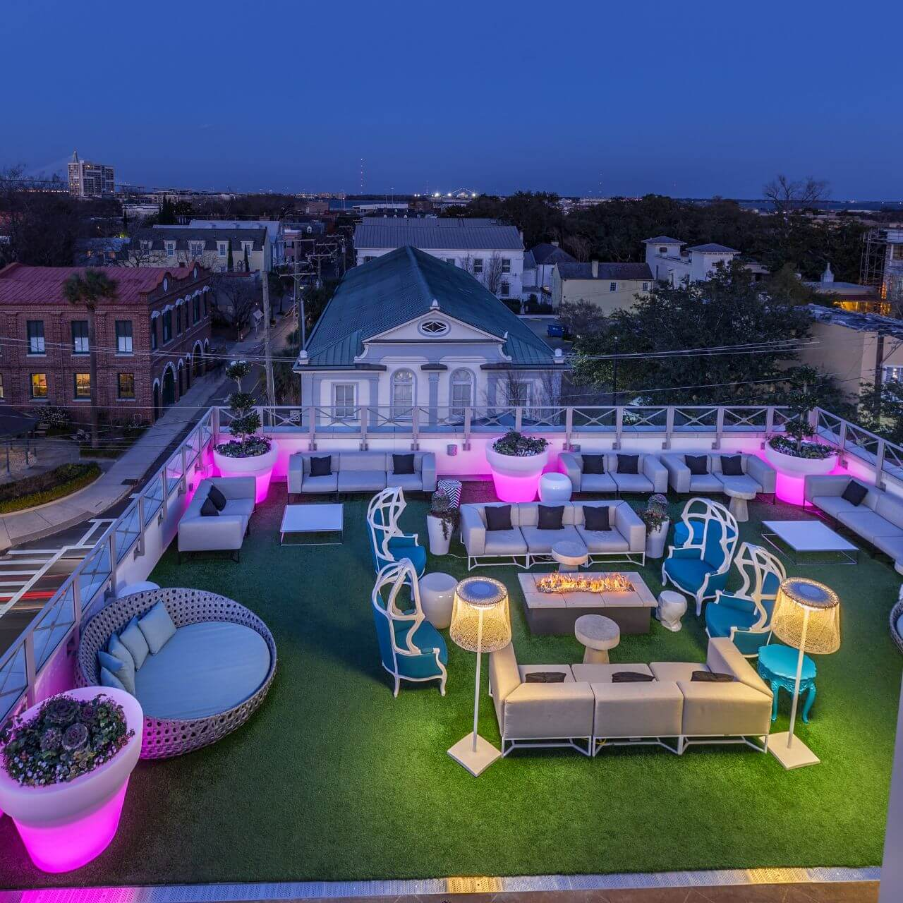 10 Restaurants to Eat Thanksgiving Dinner in South Carolina Eleve restaurant and rooftop charleston